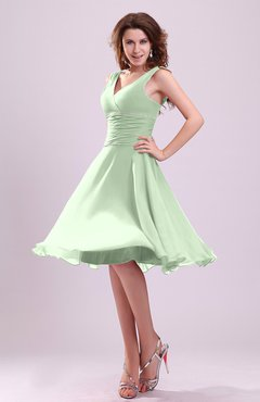 Pale Green Cute A-line Sleeveless Chiffon Knee Length Ruching Bridesmaid Dresses