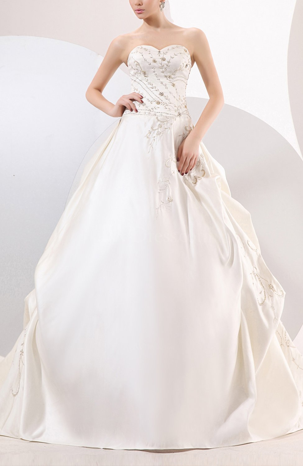 White classic hall a line sweetheart zip up satin chapel for Chapel train wedding dresses