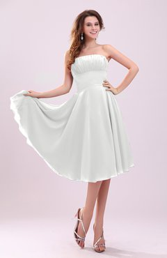 White Simple A-line Sleeveless Backless Pleated Wedding Guest Dresses