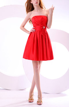 Red Cute Strapless Sleeveless Satin Knee Length Pleated Party Dresses