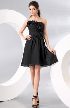 Black Plain A-line Strapless Sleeveless Zipper Knee Length Homecoming Dresses