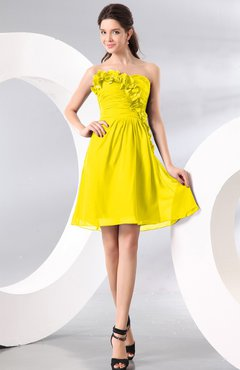 Yellow Plain A-line Strapless Sleeveless Zipper Knee Length Homecoming Dresses
