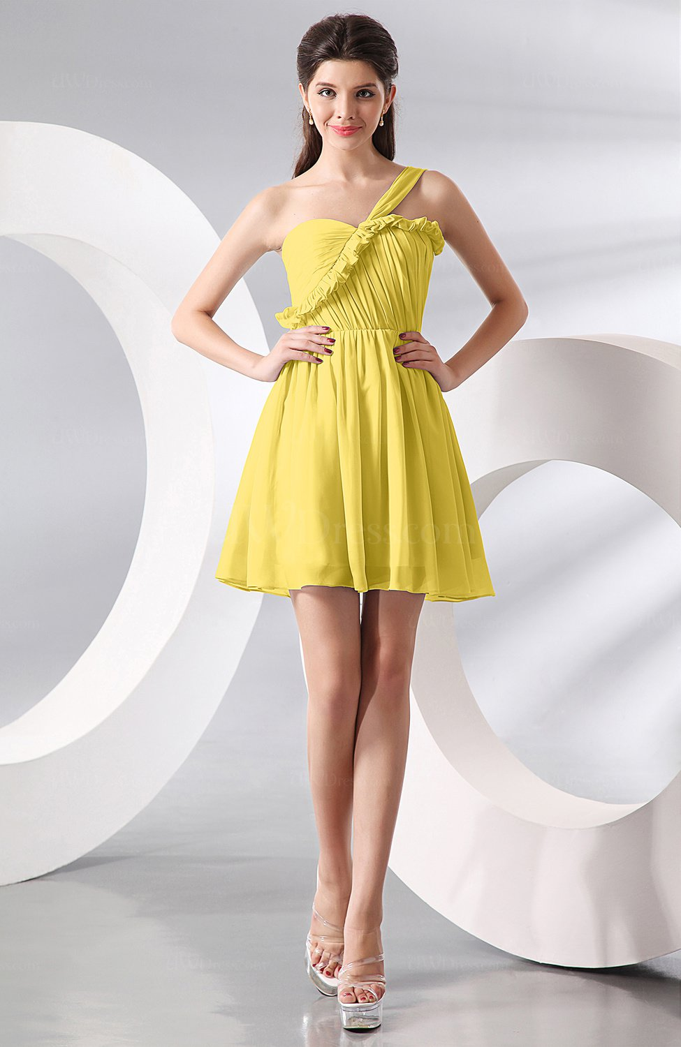 Pale yellow elegant a line one shoulder chiffon short for Yellow wedding guest dress