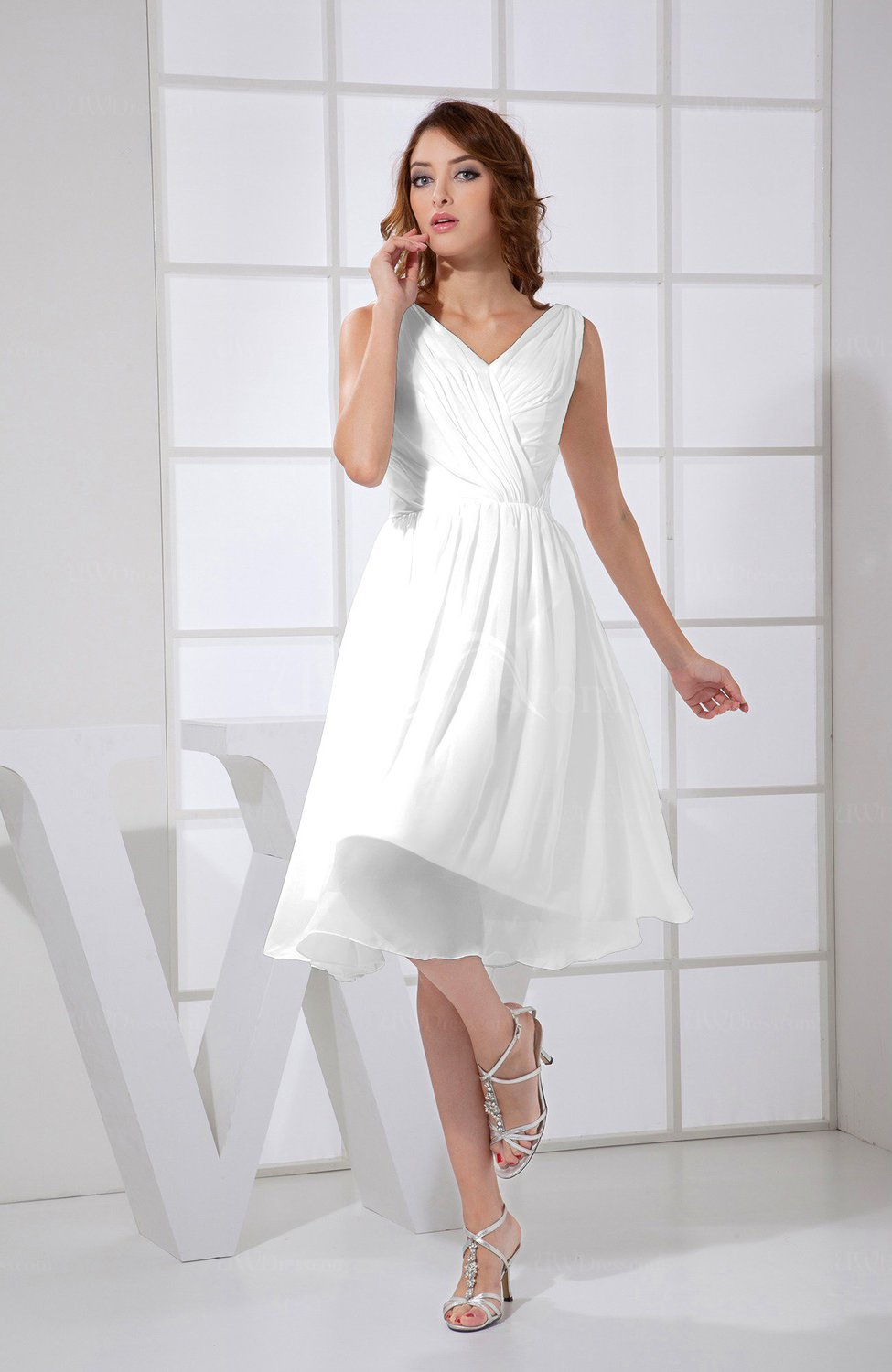White Plain A-line V-neck Sleeveless Knee Length Prom Dresses ...