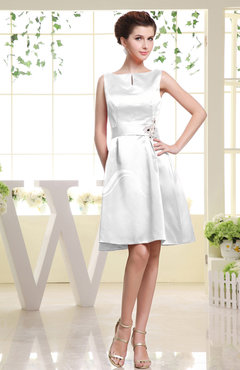 White Plain Sabrina Sleeveless Zipper Knee Length Rhinestone Bridesmaid Dresses