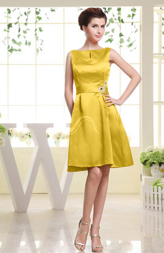 Yellow Plain Sabrina Sleeveless Zipper Knee Length Rhinestone Bridesmaid Dresses