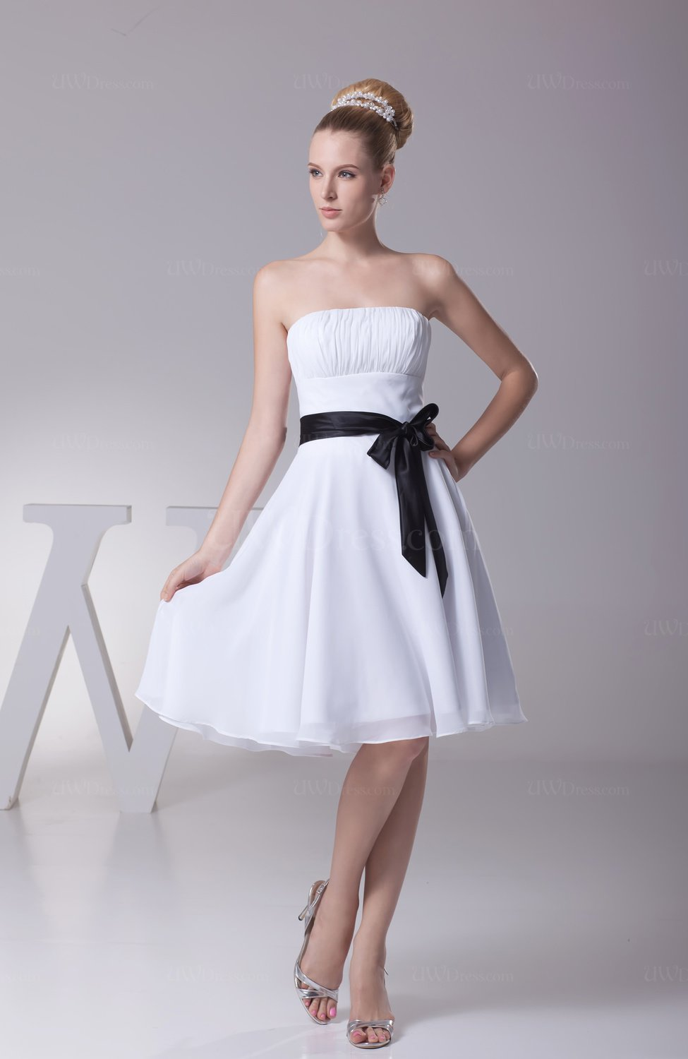 White elegant baby doll strapless sleeveless chiffon sash for Wedding dress with red ribbon on waist