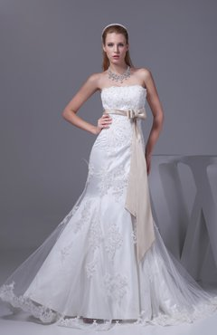 White Cinderella Church Scalloped Edge Lace up Court Train Paillette Bridal Gowns