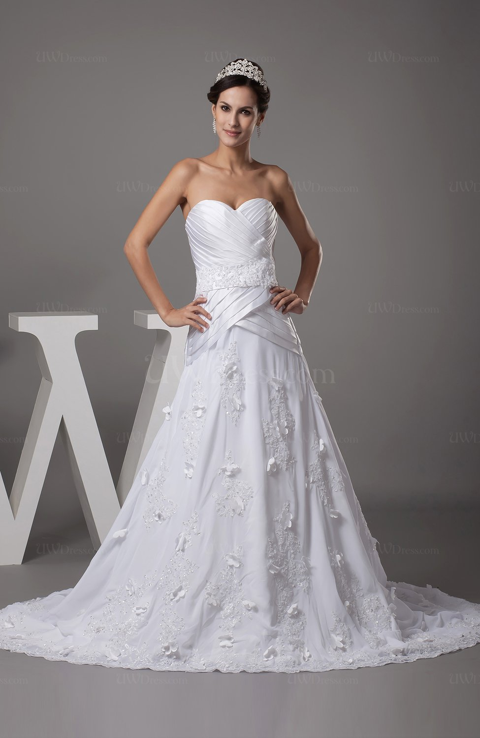 White gorgeous garden a line sweetheart backless ruching for Gorgeous backless wedding dresses