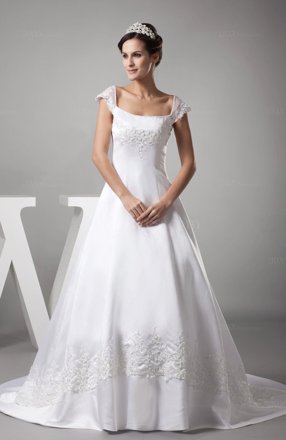 White vintage outdoor a line zipper satin court train for White vintage wedding dresses