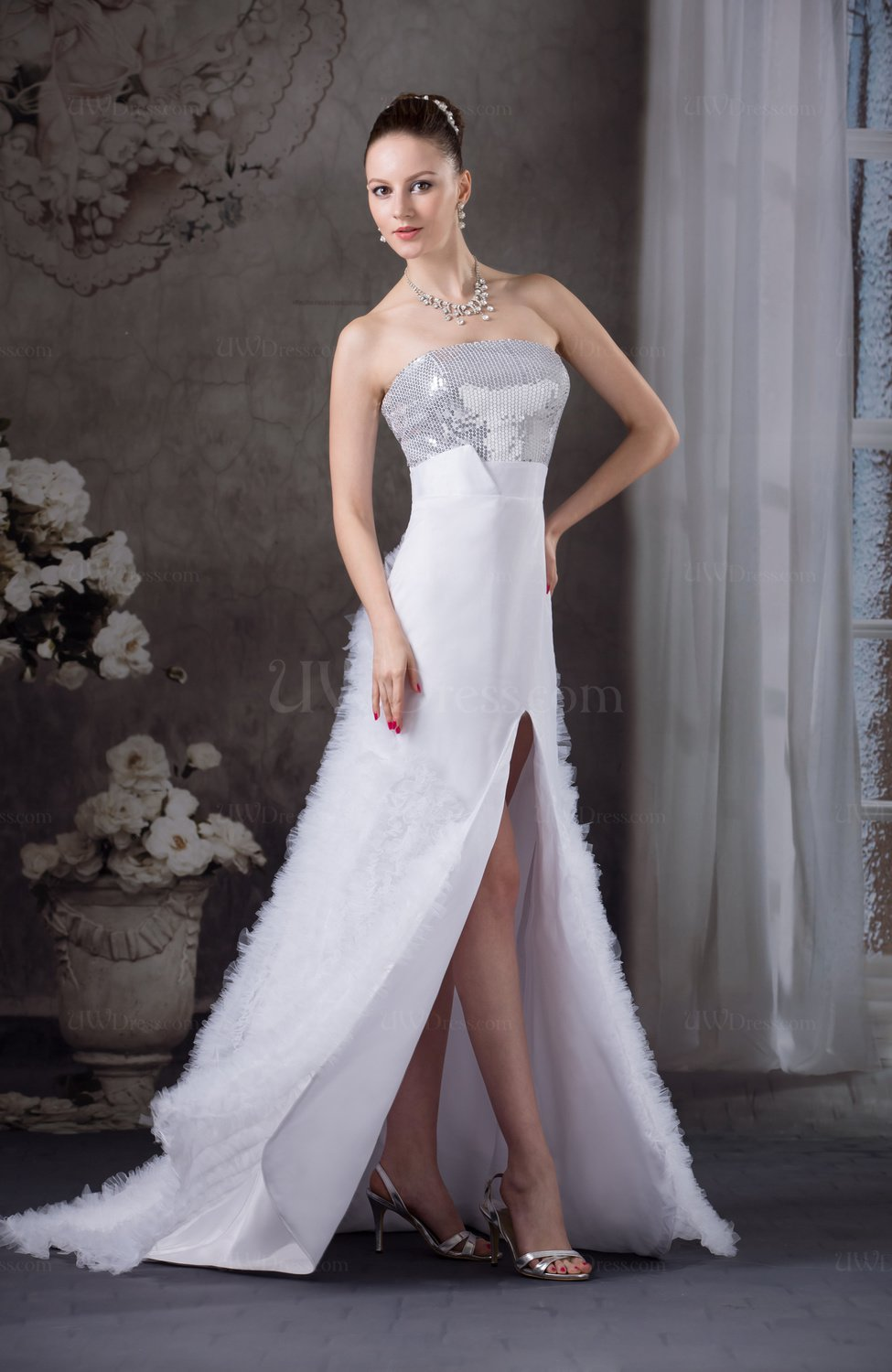 Casual outdoor a line strapless sleeveless backless brush for Casual outdoor wedding dresses