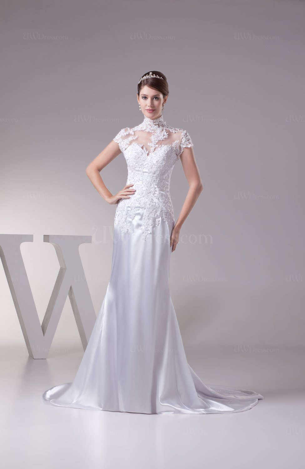 White elegant hall fishtail illusion short sleeve court for White fishtail wedding dress