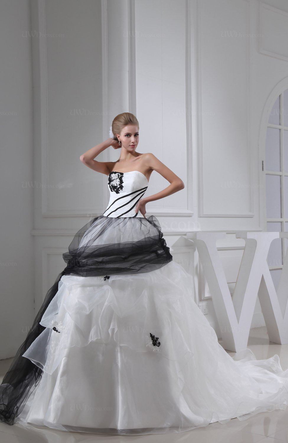 White gorgeous church full skirt sweetheart sleeveless for Full skirt wedding dress