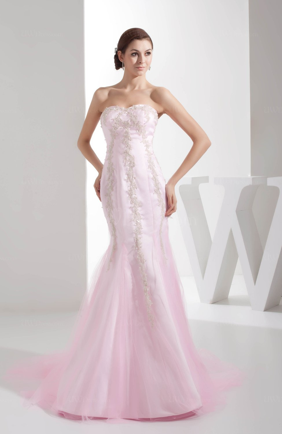 Informal Hall Fit-n-Flare Sweetheart Sleeveless Appliques Bridal ...