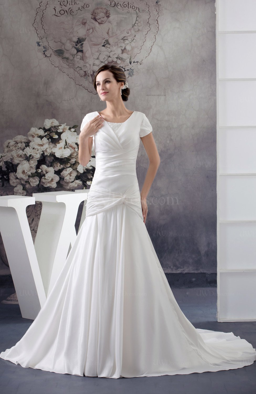 White with sleeves bridal gowns modest full figure a line for Summer wedding dresses with sleeves