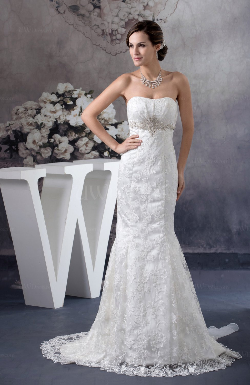 Lace bridal gowns inexpensive sleeveless summer open back for Cheap summer wedding dresses