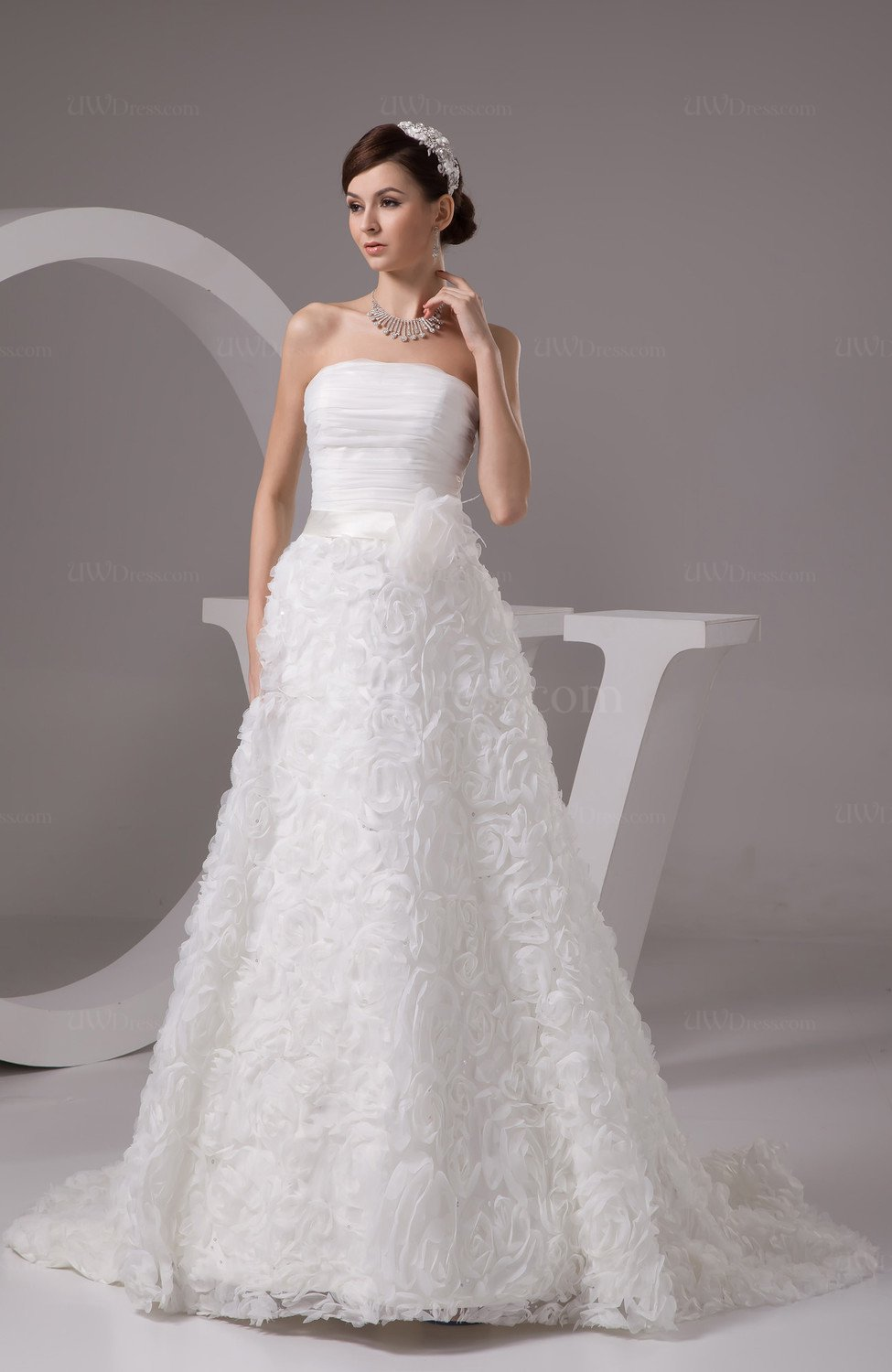 Allure bridal gowns inexpensive disney princess spring for Simple inexpensive wedding dresses