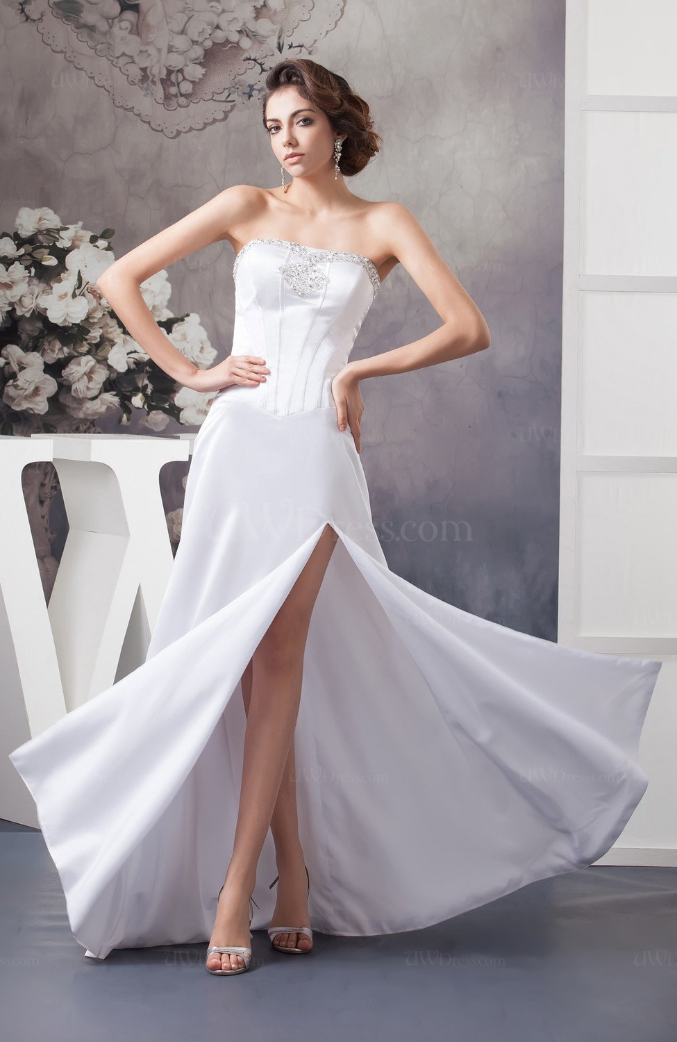 White beach bridal gowns inexpensive strapless plus size for Free plus size wedding dress catalogs