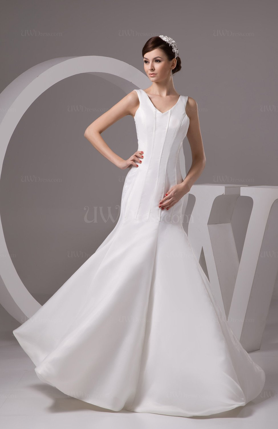 White sexy wedding guest dress long fit n flare trendy for Modern wedding guest dresses