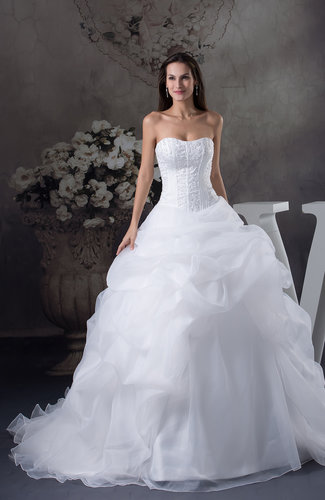 Glamorous Hall Sweetheart Zipper Chapel Train Embroidery Bridal Gowns