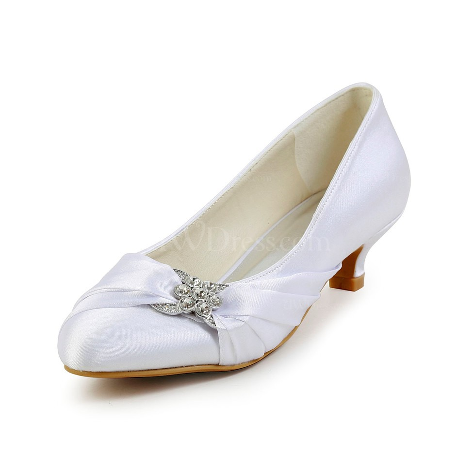 Cream closed toe wedding shoes satin low heel girls for Low heel dress shoes wedding