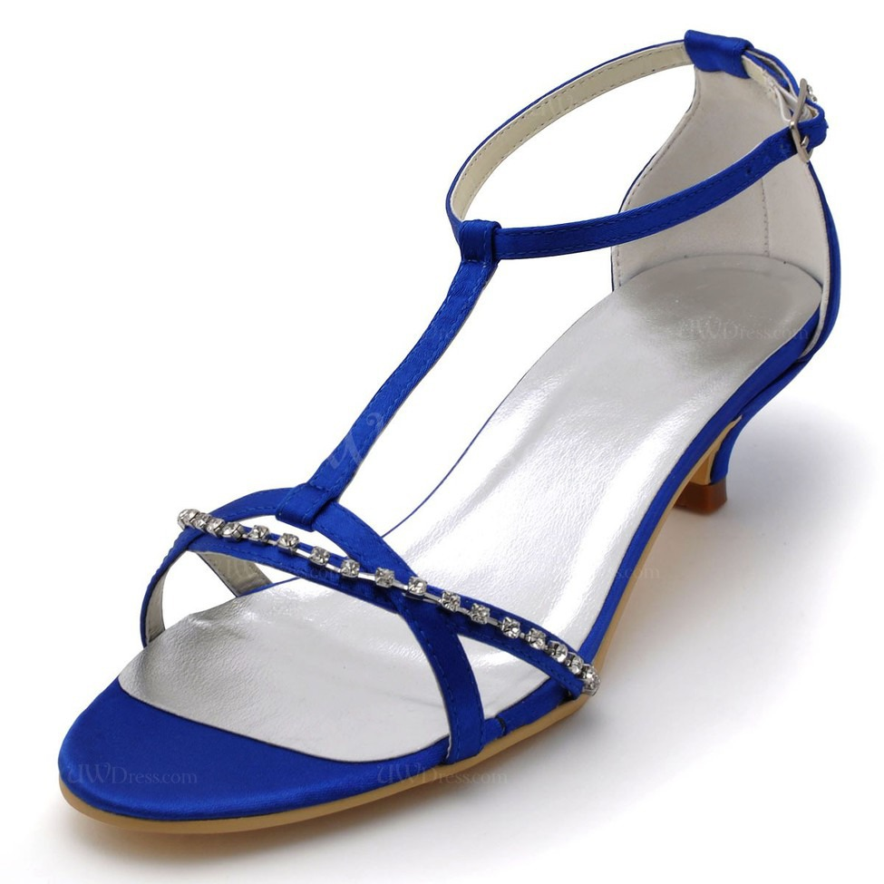 Buy comfortable wedding shoes and bridal shoes at cheap price on Weddingdresstrend, which provides both wholesale and retail online. Blue, purple, ivory, silver and white flat wedding shoes .