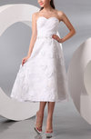 Classic Hall A-line Sweetheart Sleeveless Appliques Bridal Gowns