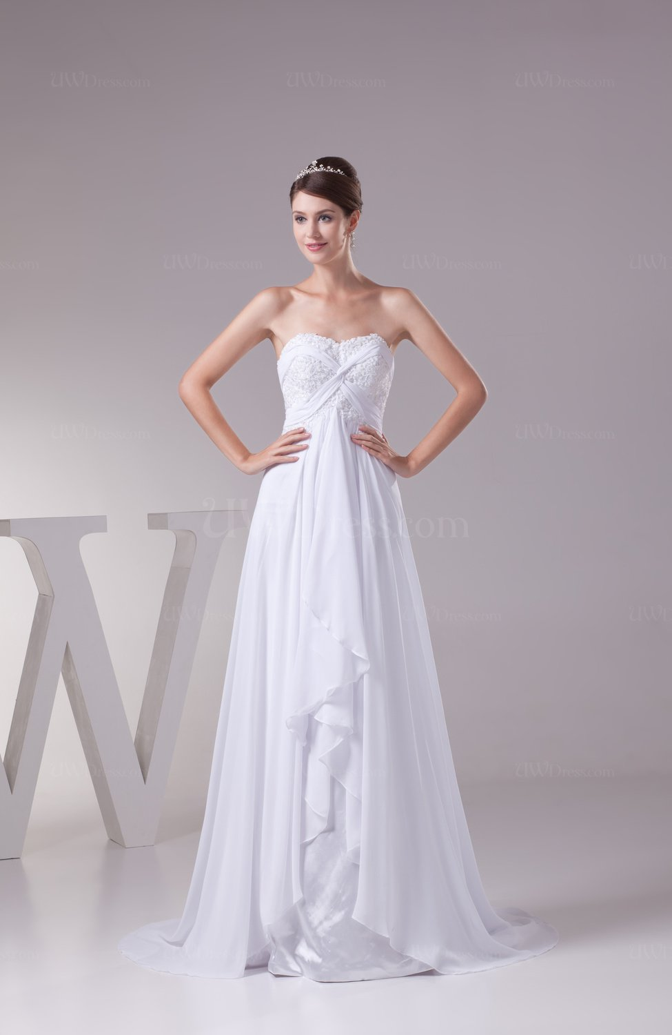 White Romantic Garden A Line Backless Chiffon Appliques