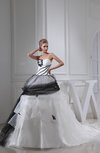 Gorgeous Church Full Skirt Sweetheart Sleeveless Chapel Train Bridal Gowns