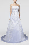 Elegant Outdoor A-line Sleeveless Backless Organza Appliques Bridal Gowns