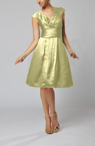 Elegant A-line Short Sleeve Taffeta Knee Length Pleated Bridesmaid Dresses
