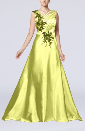 Classic Church Sleeveless Zip up Court Train Ruching Bridal Gowns