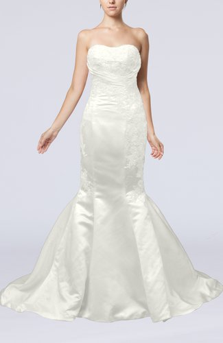 Sexy Outdoor Sweetheart Backless Satin Chapel Train Bridal Gowns
